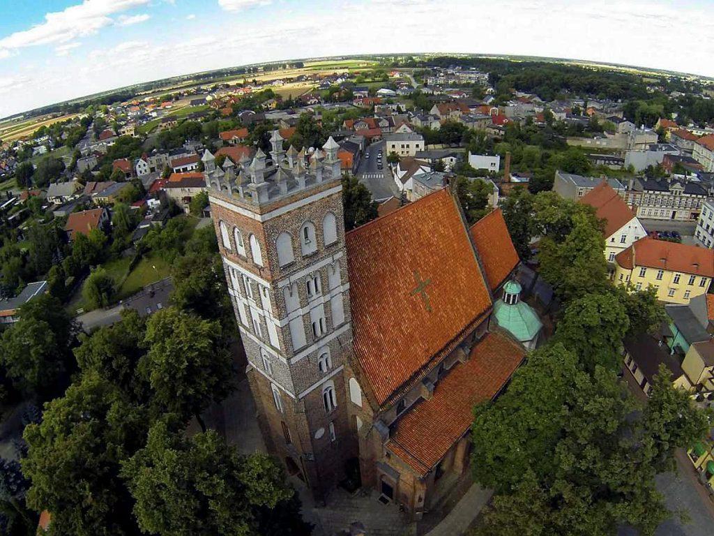 podróże wakacje turystyka środa wielkopolska zabytki zwiedzamy polska kościół kolegiata