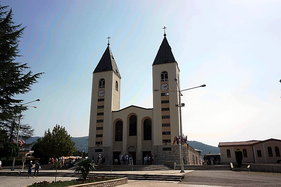 medziugorie kościół cuda objawinia maryjne matka boska