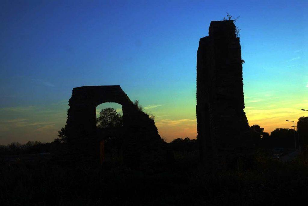 radlin zamek ruiny pałac