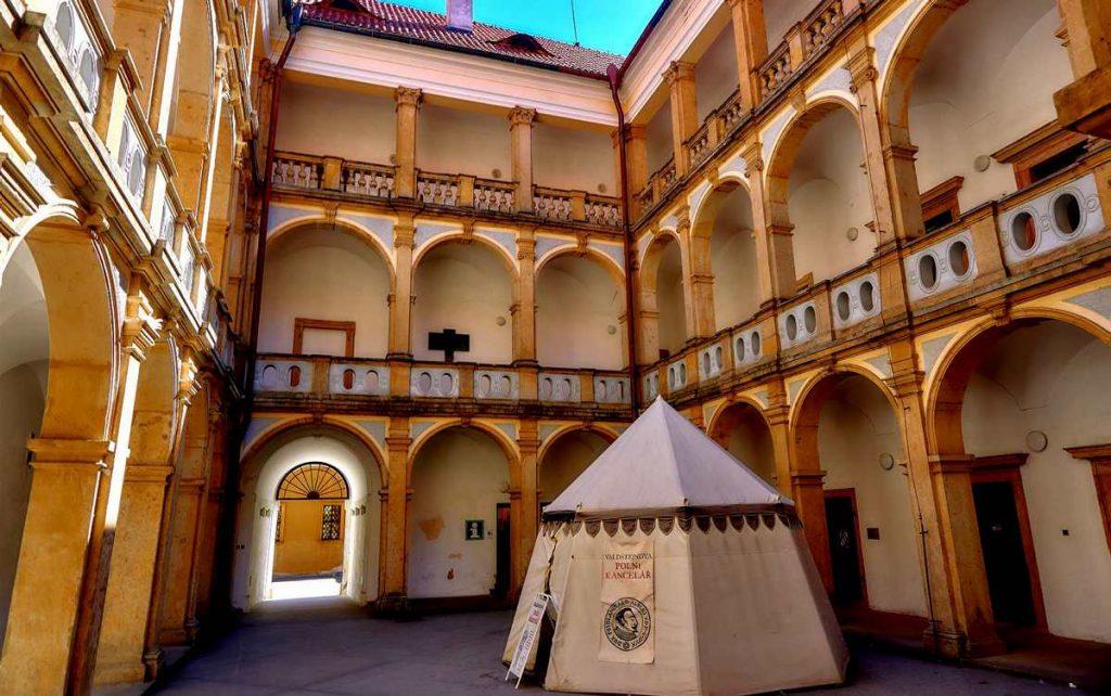 zamek w jiczynie