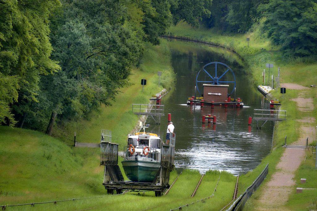 kanał elbląski - statkiem po suchym lądzie