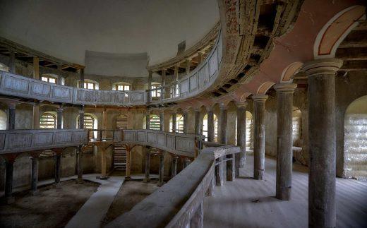 wnętrze kościoła w Żelichowie