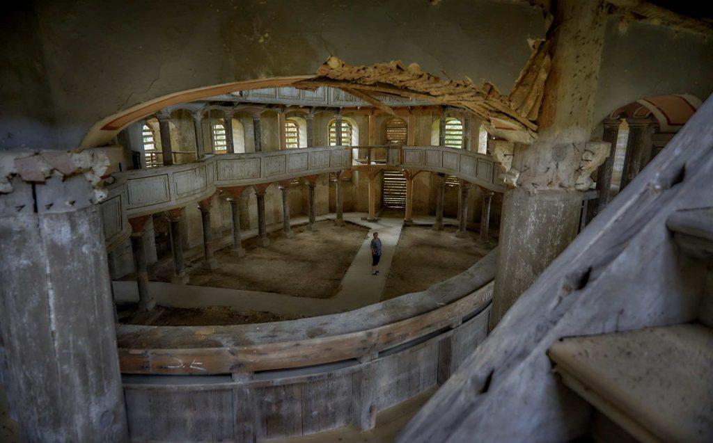 co zostało z zabytkowe wnętrz kościoła w Żeliszowie