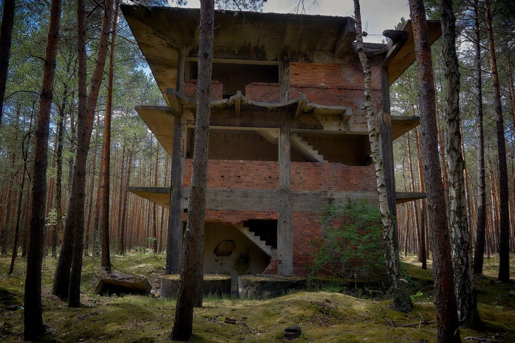 ruiny fabryki amunicji