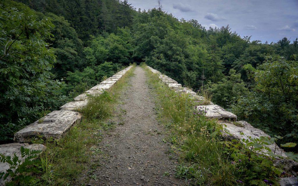 wiadukt kolei sowiogórskiej